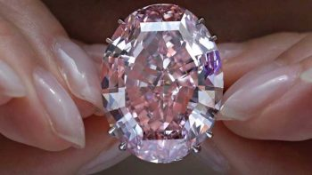 Pink diamond sells for a staggering US$71M