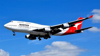 Engine failure forces Qantas flight return