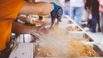 Anthony Bourdain eyes Filipino food vendors for Bourdain Market